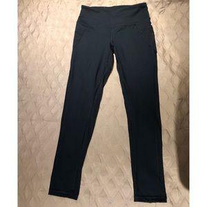 VS knockout pant, black w/ mesh details & pockets